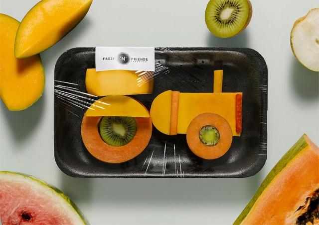 Tractor hecho con frutas