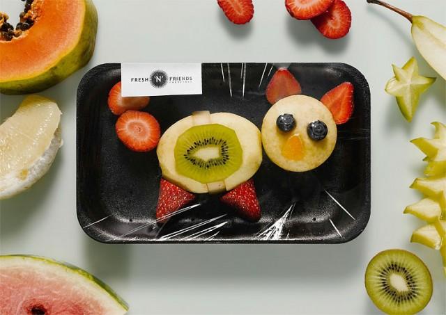 Foto gato con frutas