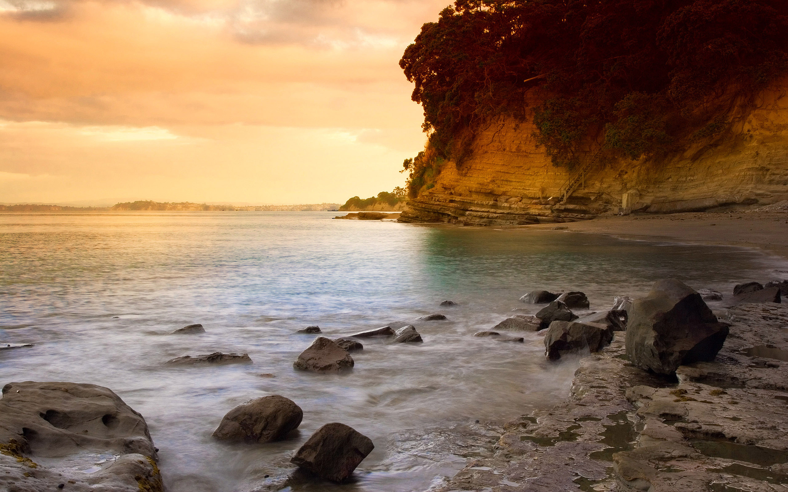 Foto Oceano, costa con rocas