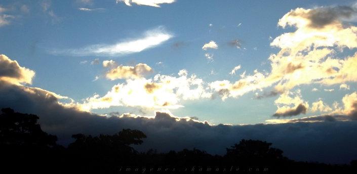 Foto Saliendo el sol