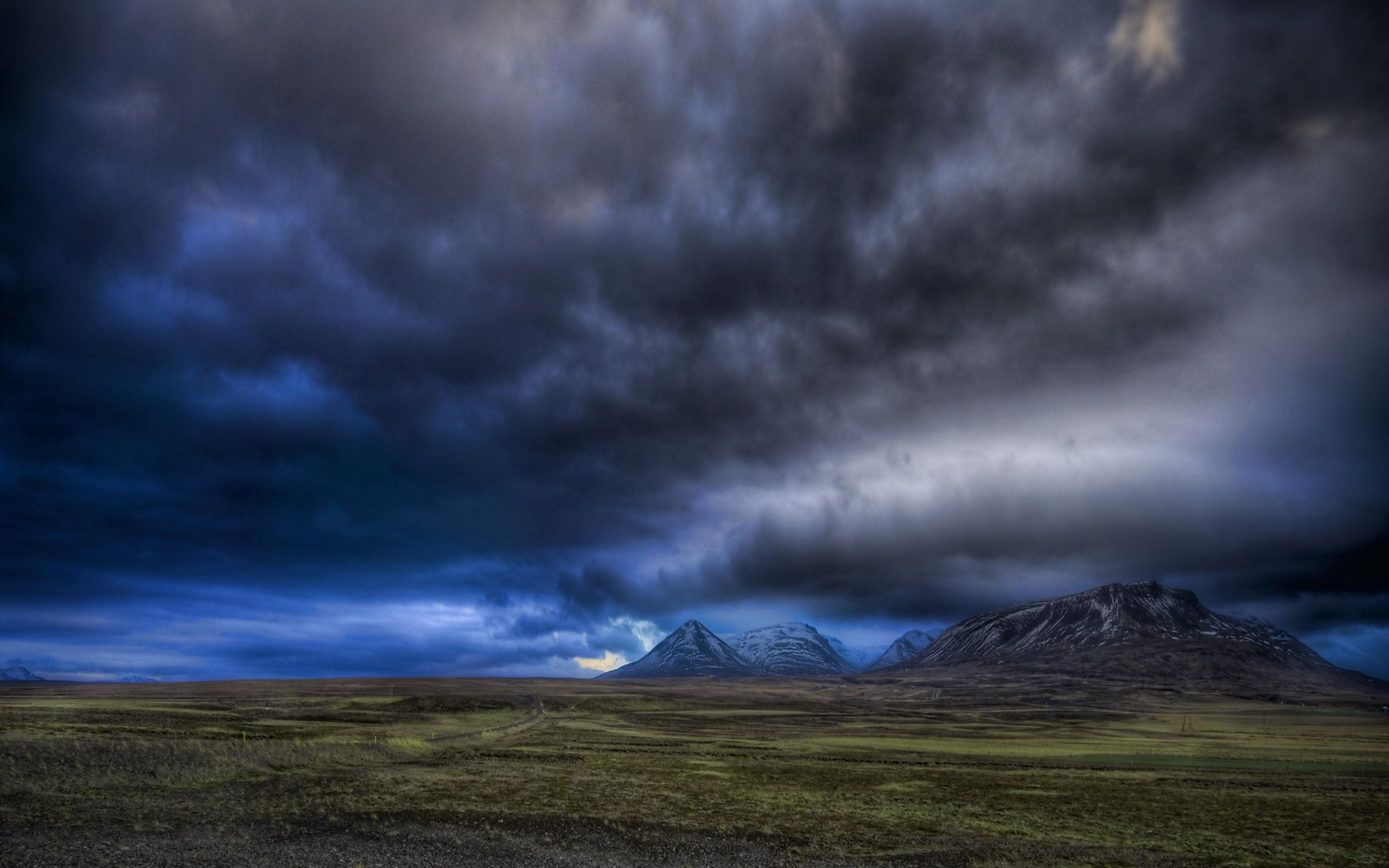 Paisaje Nublado Montaña